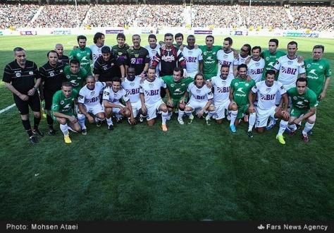 دیدار خیریه ستارگان جهان مقابل ستارگان ایران برگزار شد