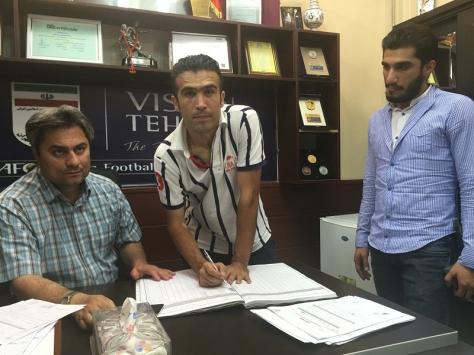 ثبت قرارداد بازیکنان راه آهن در هیات فوتبال تهران