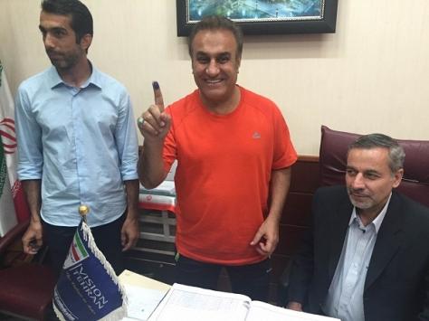 ثبت قرارداد کادر فنی و بازیکنان راه آهن در هیات فوتبال تهران