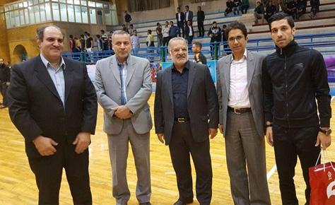 تقدیر از بازیکن تاثیرگذار تیم ملی فوتسال توسط هیئت فوتبال تهران