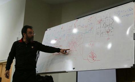 کلاس آنالیز فوتبال با تدریس چراغپور برگزار شد