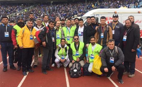 امدادگران هوادار هیئت فوتبال جان هواداران را دربی نجات دادند