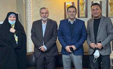 اعضای هیات رئیسه هیات فوتبال به دیدار رئیس فدراسیون رفتند