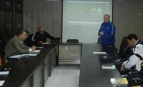 برگزاری کلاس دانش افزایی مربیان فوتبال آغاز شد