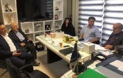 عضو هیات رئیسه فدراسیون از هیات فوتبال بازدید کرد